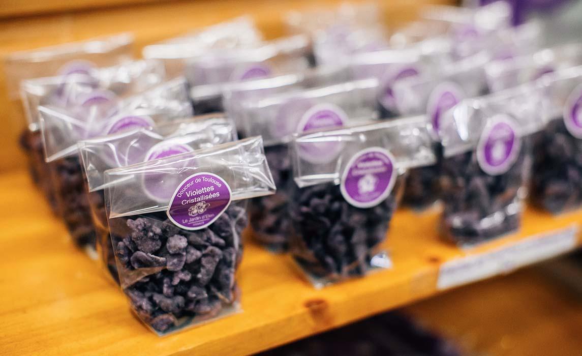 Bonbons à la violette de Toulouse cristalisée